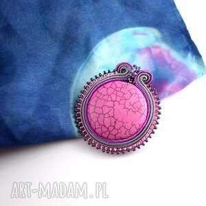 Prosta różowo-szara broszka - haft soutache - ,broszka,przypinka,sutasz,soutache,casual,