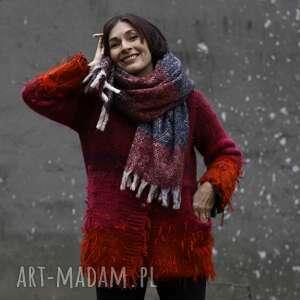 hand-made swetry kudłaty sweterek czerwono amarantowy