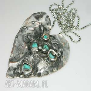 serce z turkusami, serce, miedź, unikatowa-biżuteria, unikatowe-serce, serce-wisior,