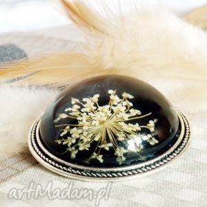 broszka z prawdziwym kwiatem - idealna jako niebanalny prezent - prawdziwy, kwiat, suszone