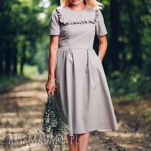 Szara sukienka midi z falbanką, rozmiar S, M, L, sukienka, midi, rozkloszowana