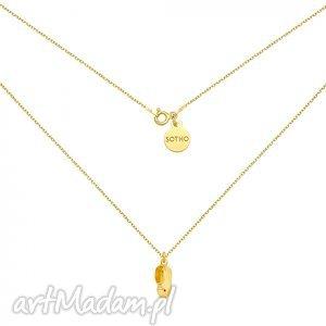 sotho złoty naszyjnik z chłopięcym bucikiem - minimalistyczny