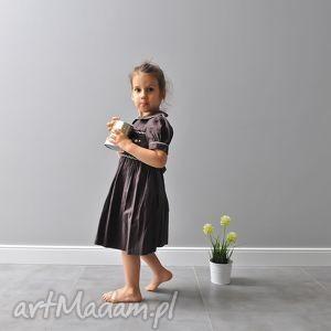 gorzka czekoladka z kokardą, brązowa, sukienka, bufka, kokarda, kwiatki, długa