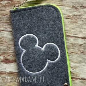 filcowe etui na telefon - myszka, etui, smartfon, filcowe, prezent, haftowane