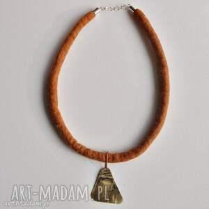 hand-made naszyjniki naszyjnik z filcu i mosiądzu /1&#47