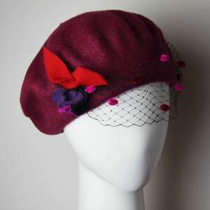 bordowy beret - woalka, bordo