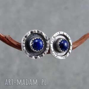 Młotkowane z lapisem lazuli amade studio drobne, surowe, sztyfty