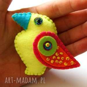 ręcznie zrobione broszki neonowy tukan broszka z filcu dla dziecka