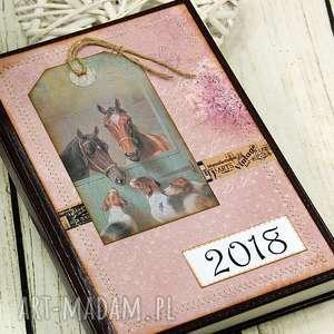 kalendarz książkowy 2018 - stajnia, kalendarz, terminarz, konie, notes,