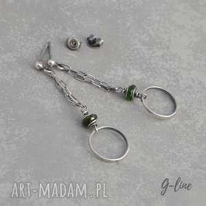 Zielony turmalin, kolczyki wiszące na wkrętkach, srebro