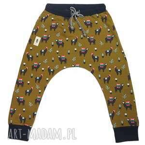 spodnie baggy alpaki na oliwce, spodnie, baggy, alpaki, print, dla dziecka