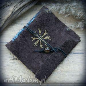 Notes kwadratowy ze skórzaną miękką okładką Aegishjalmur - ręcznie robiony i malowany