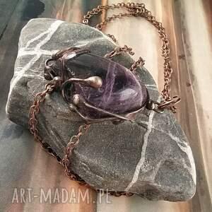 ręcznie zrobione wisiorki naszyjnik: wisiorek z łańcuszkiem ciemny