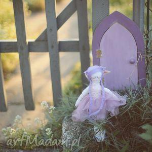 lalki magiczna bajka -lawendowy elf i drzwi wróżek, elfia, wróżka, dzwiczki