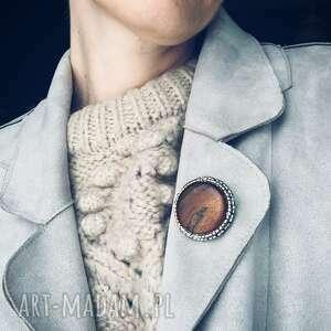 broszka aleksandra, drewno, haft koralikowy, koraliki, dla mamy, modny dodatek