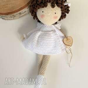 lalka anioł szydełkowa pamiątka pierwszej komunii lub chrztu świętego
