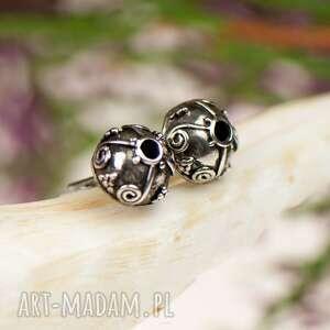 ozdobne sztyfty z czernionego srebra a360, kolczyki ze srebra, wkrętki półkule