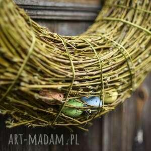 Pomysł na prezent pod choinkę: Wielkanocny wiosenny wianek