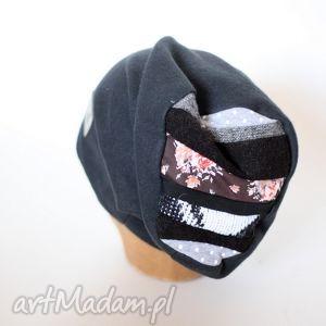 hand-made czapki kogut w wielkim podnieceniu zagrał arie na grzebieniu