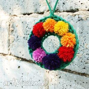 handmade dekoracje wianuszek wieniec dekoracja pompony