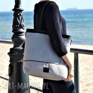 lekka i poręczna beżowa torba, torebka, torba na ramię, torebka duża