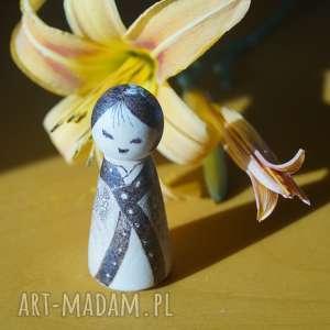 Japoneczka - ręcznie wypalana drewniana laleczka lalki