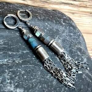 kolczyki srebrne z labradorytami, metaloplastyka, srebro oksydowane