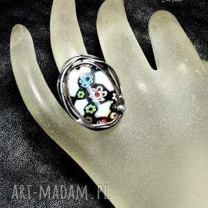 pierścionek ze szkłem millefiori uroczy niezwykły pierścień handmade nikt nie