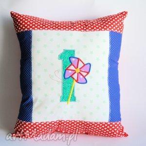 poduszka z cyfrą i wiatrakiem, poduszka, roczek, urodziny, wiatrak, bawełna