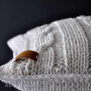 ręcznie robione poduszki biała poszewka na poduszkę