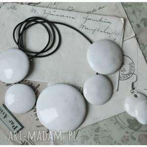 naszyjniki zestaw białej ceramicznej biżuterii, ceramika, naszyjnik, kolczyki