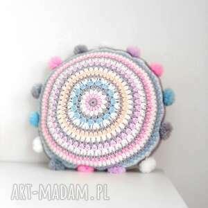 poduszki poduszka z pomponami, poduszka, poszewka, pompony, dekoracje, salon