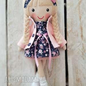 prezent na święta, malowana lala nela, lalka, przytulanka, niespodzianka