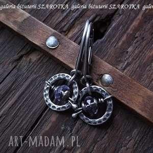 Ametyst na okrągło kolczyki ze srebra, ametyst, srebro, oksydowane, koła, młotkowane