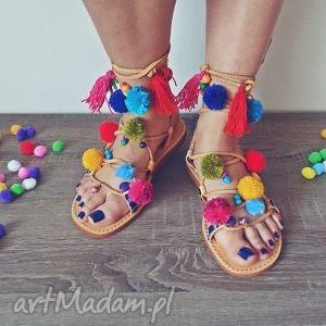 ręcznie robione buty 37 - sandały rzymianki z pomponami w stylu boho