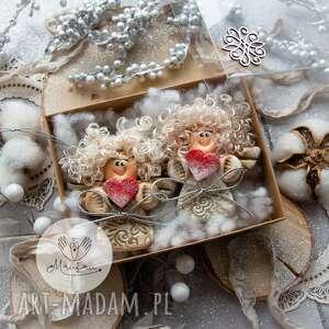 świąteczny podarek paczuszka aniołków na zawieszce pudełeczko, anioły