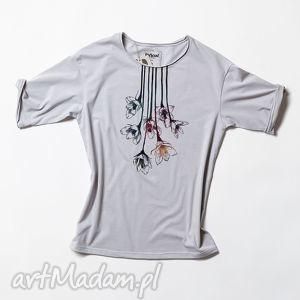 ręczne wykonanie bluzki flowers koszulka szara oversize