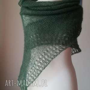 jedwabna mgła w eleganckiej zieleni, rękodzieło, chusta, jedwab, styl, elegancja