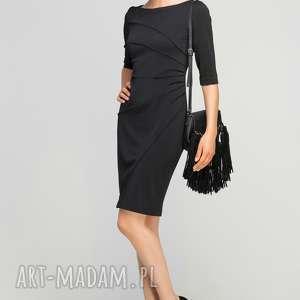 Dopasowana sukienka z przeszyciami, SUK146 czarny, casual, przeszycia, czarna