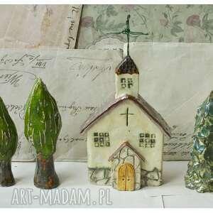 kościół z drzewami, ceramika, kościół, krzyż, drezwa, choinka, parafia