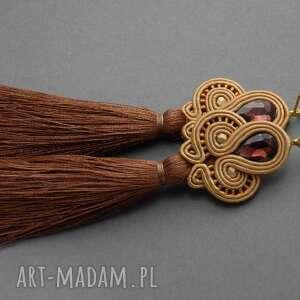 Karmelowe klipsy sutasz z chwostami sisu sznurek, długie, chwost