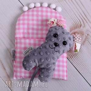 ręcznie robione zabawki przytulanka dziecięca mysz w beciku