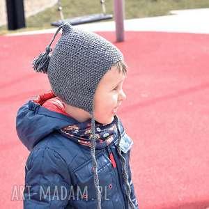molito czapka-bonetka z pędzelkiem merynos dziecięca, wełniana
