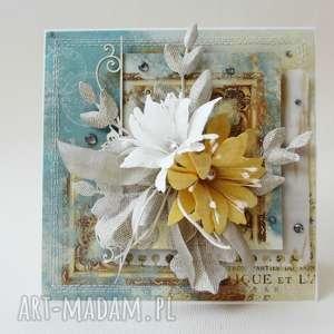 Z kwiatami - kartka w pudełku, gratulacje, ślub, imieniny, urodziny
