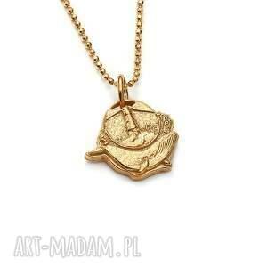 wisiorki mini wisiorek z wielorybem i latarnią pozłoconego srebra, złocony