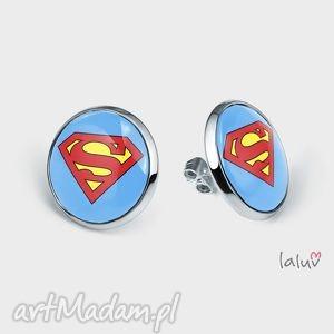 oryginalny prezent, laluv kolczyki sztyfty superman, kryptonit, superbohater
