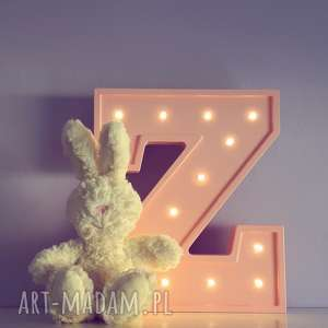podświetlana literka - lampka, lampa, litera, literka, typografia, sypialnia