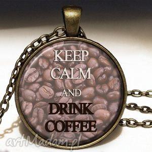 keep calm and drink coffee - duży medalion z łańcuszkiem