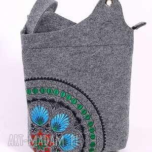 hand-made na ramię jasna torebka z rozetą