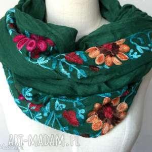 5e890218a0fd5b ręczne wykonanie chustki i apaszki haftowany folkowy szal w kwiaty